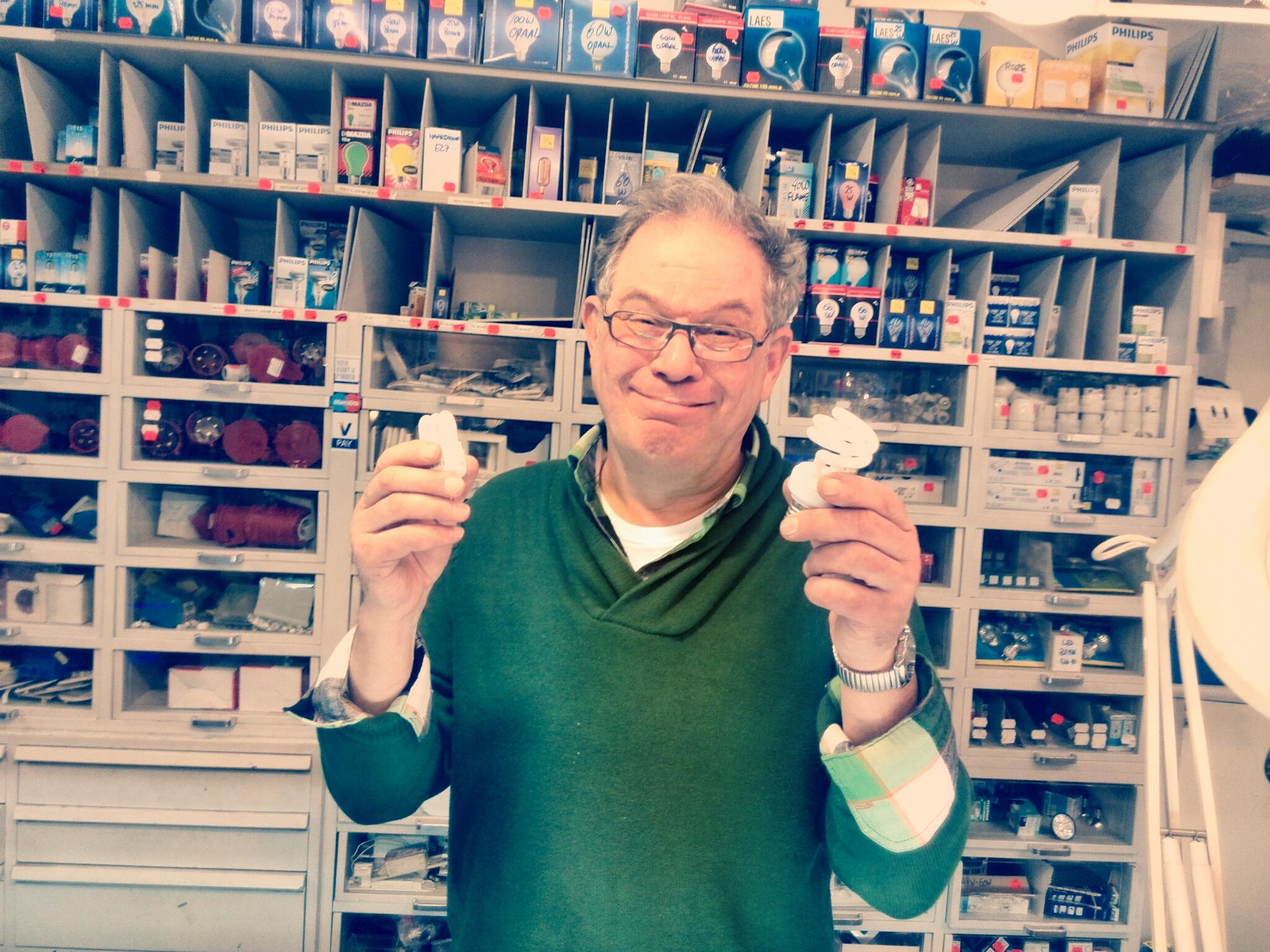 Meneer van Vliet de spaarlampenexpert
